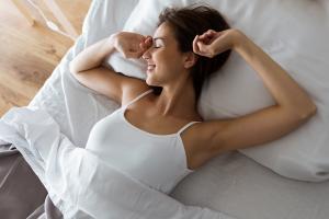 Câte ore trebuie să dormi în funcţie de vârstă pentru a-ţi proteja sănătatea